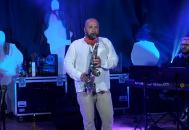 Happy – Pharrell Williams – Palo Hoďa – saxophonist – Live stream concert 17.4.2020